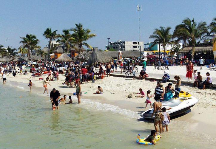 Según autoridades de Progreso, el puerto tiene en las playas un atractivo adicional para su carnaval. (SIPSE)