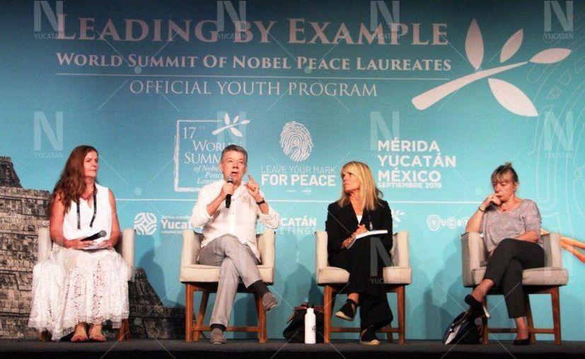 """El foro """"Cambio Climático"""" durante la Cumbre Mundial de Premios Nobel de la Paz. (Novedades Yucatán)"""