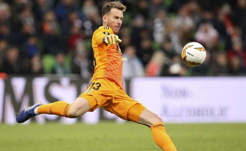"""""""Neto"""" firmó por cuatro temporadas con el Barcelona. (Foto: Imagen de Associated Press)"""