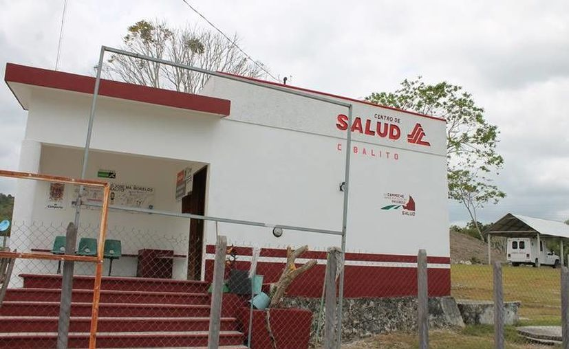 Varios centros médicos permanecen cerrados; el jefe de la jurisdicción sanitaria negó la falta de atención. (Edgardo Rodríguez/SIPSE)