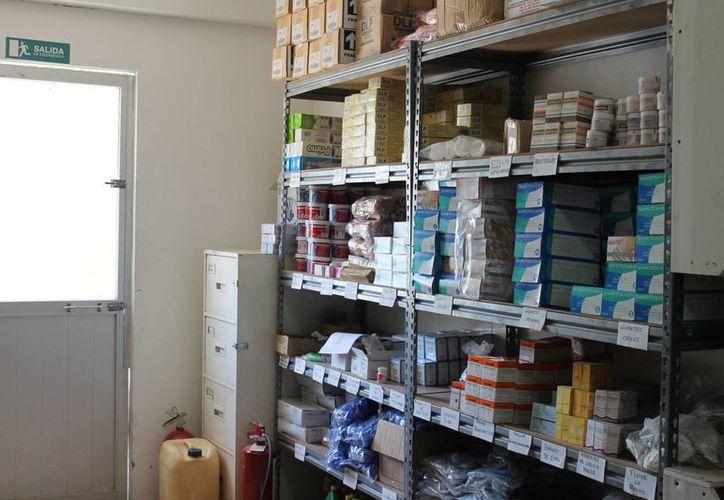 Las farmacias que distribuyan los medicamentos falsos serán sancionadas o clausuradas. (Harold Alcocer/SIPSE)