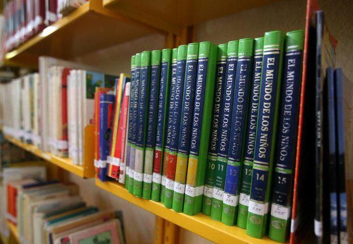 La biblioteca cuenta con un acervo de 20 mil volúmenes. (Redacción/SIPSE)