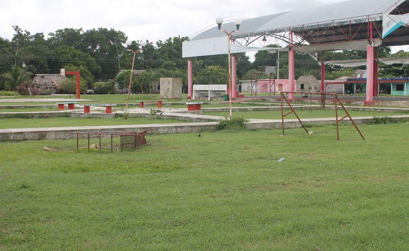 La falta de recursos frena la realización de gestiones para las 57 comunidades del municipio de Bacalar. (Carlos Castillo/SIPSE)