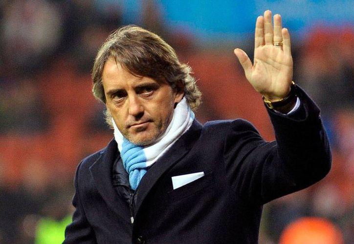 Roberto Mancini, director técnico del club Inter, 'pone a la venta' a varios jugadores del plantel para poder comprar refuerzos. (Archivo/mirror.co.uk)