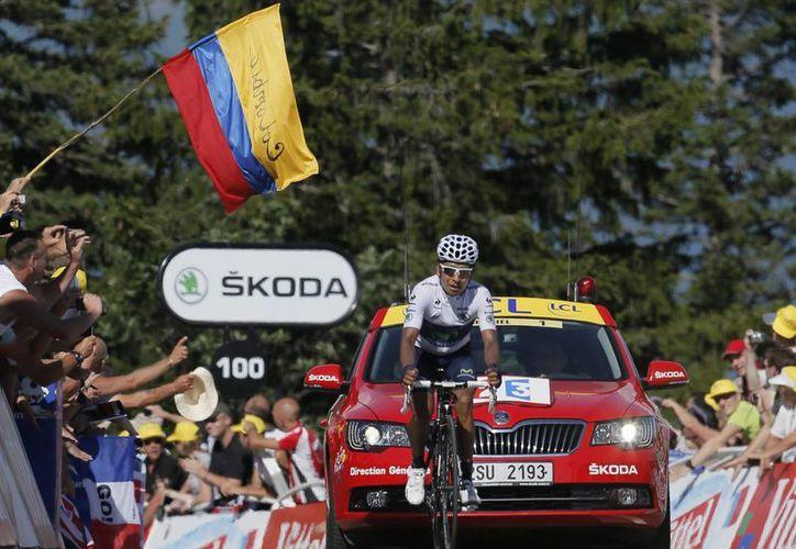 Quintana ganó su primera etapa del actual Tour. (Foto: Agencias)