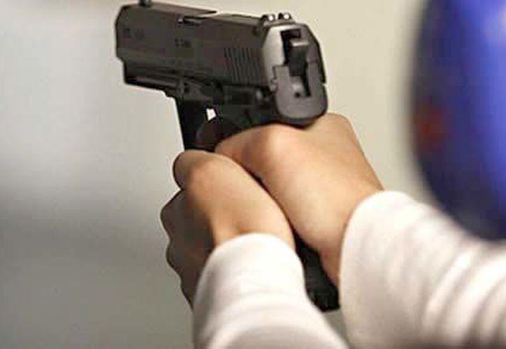 Joven de 17 años amenazó de muerte a su maestra. (Contexto/Internet).
