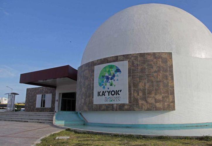 El planetario de Cancún Ka'Yok' invita para sus múltiples actividades. (Jesús Tijerina/SIPSE)