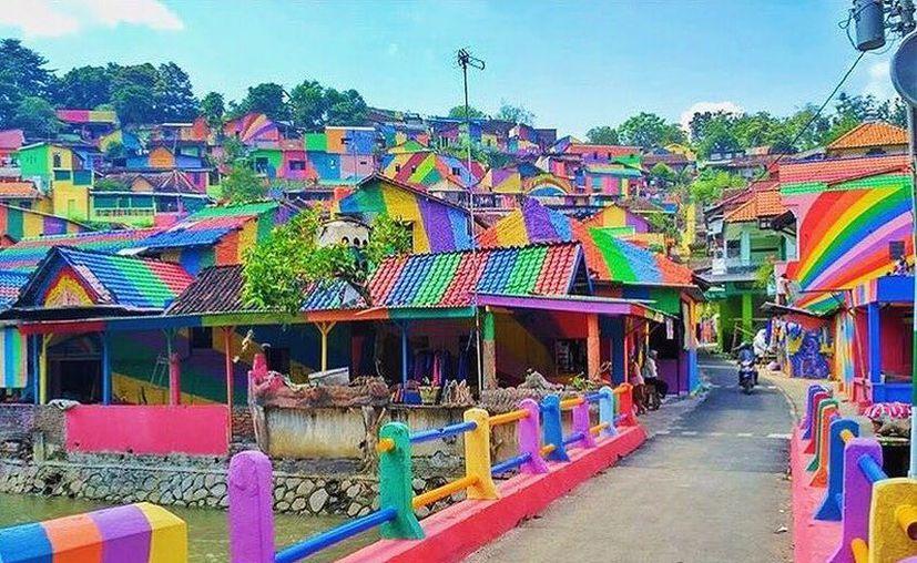 Wonosari, era un pueblo más, como otros muchos del archipiélago hasta que decidió pintar el lugar. (Contexto/Internet).