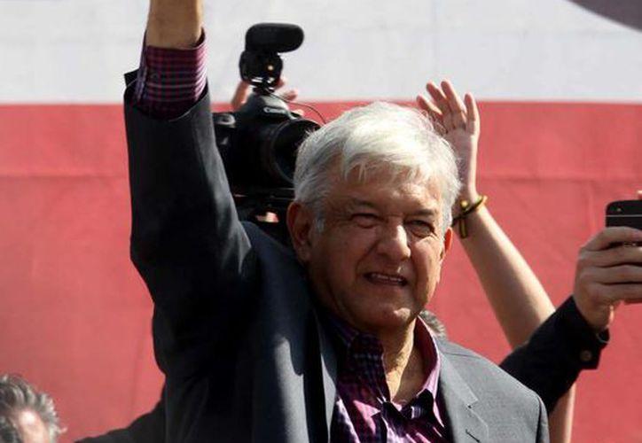 El dirigente nacional de Morena, Andrés Manuel López Obrador, aparece en siete de los spots que ha publicado Morena. (Archivo/Notimex)