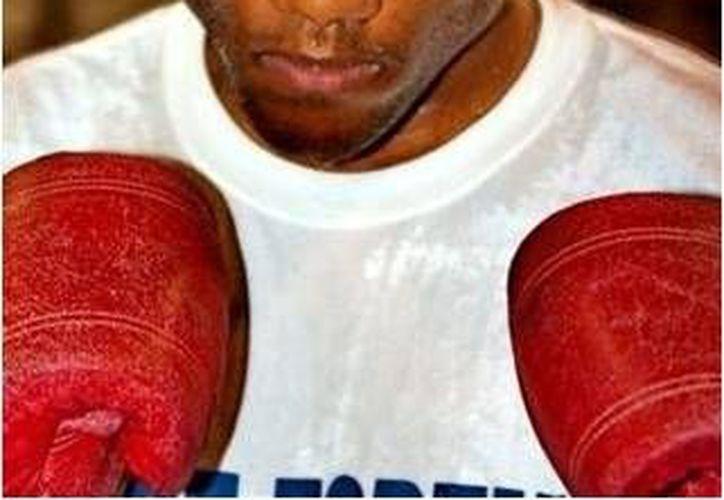 """George Foreman Jr., (a) """"Monk"""", se enfrentará a un chetumaleño que ha estado alejado de los encordados. (www.boxrec.com)"""