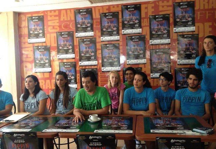 La obra se presentó hoy a los medios de comunicación en Playa del Carmen. (Adrián Barreto/SIPSE)