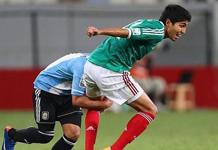 Iván Ochoa metió cuatro goles en el torneo, dos de ellos en la semifinal ante Argentina. (marca.com)
