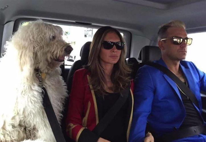 Con un video se despidió Robbie Williams de su amado perro Spencer, que tenía 11 años de edad al fallecer. (europapress.net)