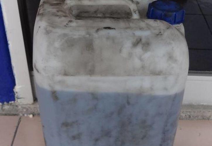 Se encontró un bidón con 20 litros de combustible propiedad de la empresa. (Redacción/SIPSE)