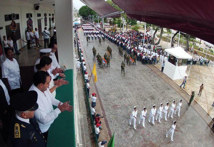 Participaron alrededor de dos mil elementos de la 11ª Zona Naval, 34 Zona Militar, 7º Regimiento de Caballería Motorizada, Seguridad Pública y del Servicio Militar Nacional. (Redacción/SIPSE)