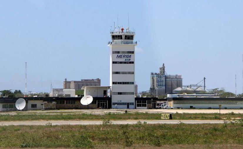 Dos incidentes se presentaron este lunes en el aeropuerto de la ciudad. (Milenio Novedades)
