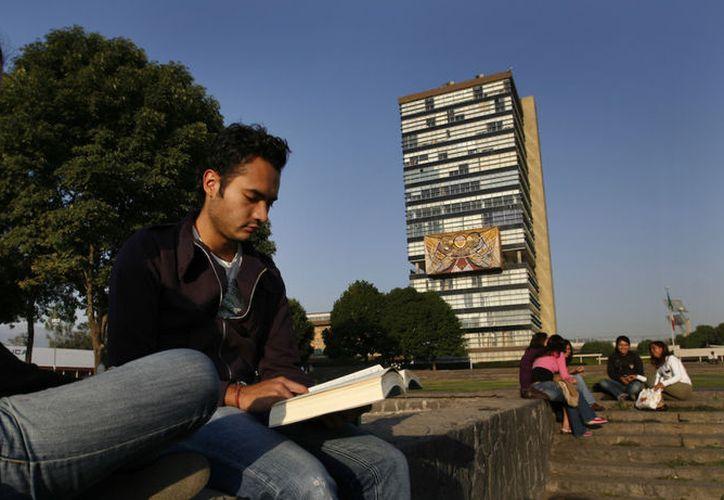 Las mejores universidades ponen en línea cursos para el verano. (Foto: AP)