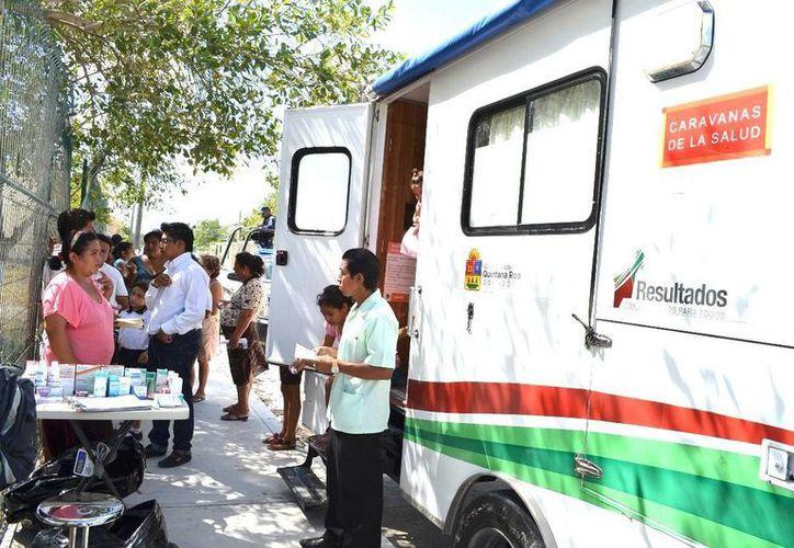 Las caravanas de salud ofrecen servicios como consultas generales, odontológica, detecciones de cáncer de mama y cervicouterino. (Redacción/SIPSE)