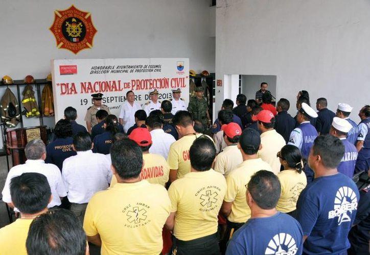 En el evento estuvieron presentes los representantes de las fuerzas armadas. (Cortesía/SIPSE)