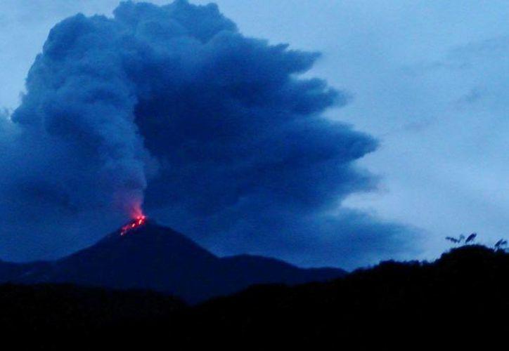 El Reventador está ubicado unos 90 kilómetros al este de Quito. (igepn.edu.ec)