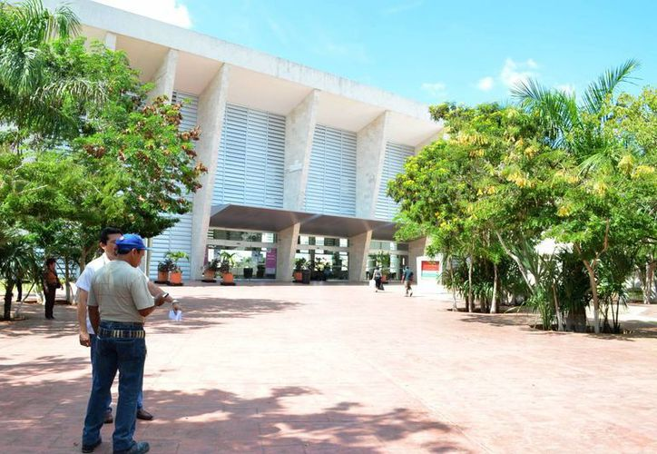 El 54% de pacientes que atiende el HRAE son de Yucatán y 35% de Q. Roo. (Milenio Novedades)