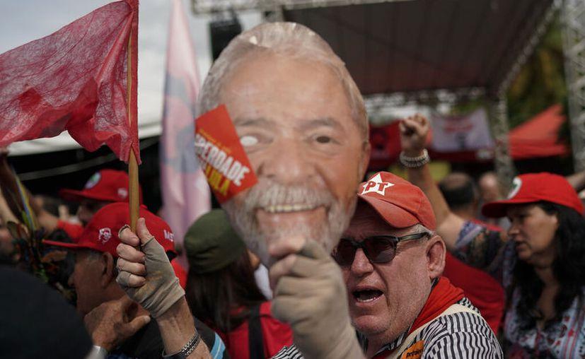 (AP/Leo Correa)