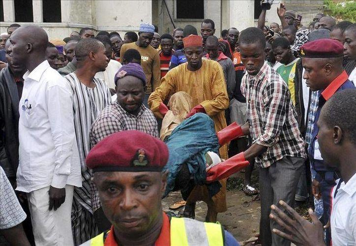 El enfrentamiento mortal se dio entre los pastores seminómadas fulani, que son musulmanes, y los granjeros sedentarios de religión cristiana que se pelean por el agua y las tierras en Nigeria. (Esta foto no corresponde al hecho solo es de contexto. EFE/Archivo)