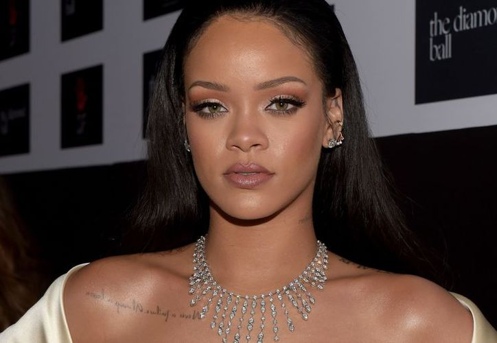 Rihanna llamó la atención de algunos medios de comunicación por pasearse sin ropa interior. (Contexto/Internet).