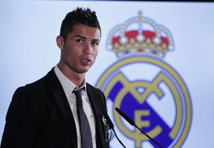 A sus 29 años de edad, Cristiano Ronaldo sigue sumando premios colectivos e individuales. (Foto de archivo de Notimex)