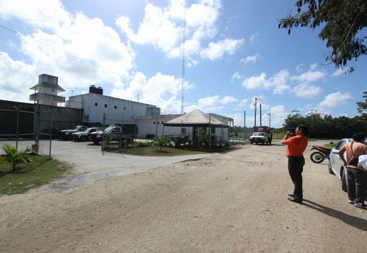 La cárcel de Cozumel es dirigida desde ayer por Gustavo Hernán Gómez Canul.  (Gustavo Villegas/SIPSE )