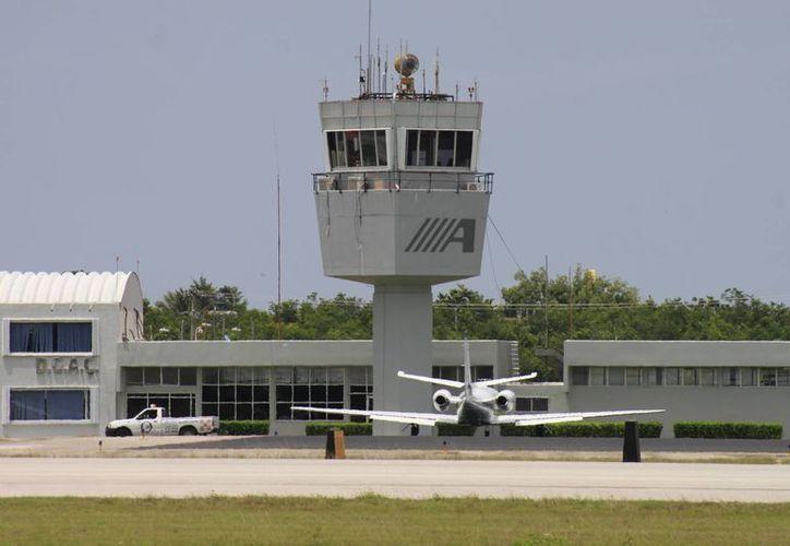 La obra corresponde al programa de operatividad y seguridad de infraestructura aeroportuaria. (Archivo/SIPSE)