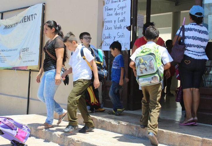La opción de 200 días fue poco aceptada en las escuelas del país. Foto de contexto del regreso a clases en una escuela de Mérida, Yuc. (Archivo/SIPSE)