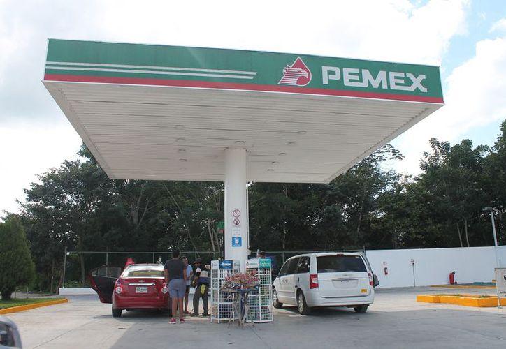 La gasolinera de Kantunilkín reanudó la venta de combustible. (Raúl Balam/SIPSE)