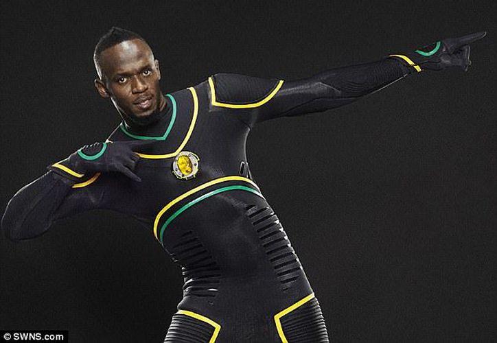 El traje forma parte de una campaña de publicidad inglesa. (Daily Mail)