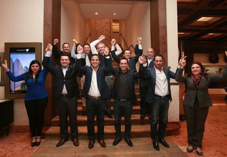 Mauricio Vila y demás personajes del Pan se encuentran reunidos en la Ciudad de México en las designaciones de candidatos para las elecciones de 2018. (Foto: Pan)