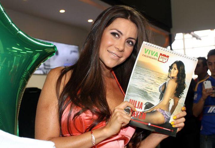 La conductora y modelo Julia Orayen presentó su calendario patrocinado por VivaAerobus. (Agencia Reforma)