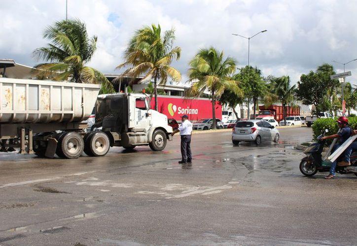 La instalación de los semáforos inteligentes apaciguara el trafíco vial. (Foto: Adrián Barreto)