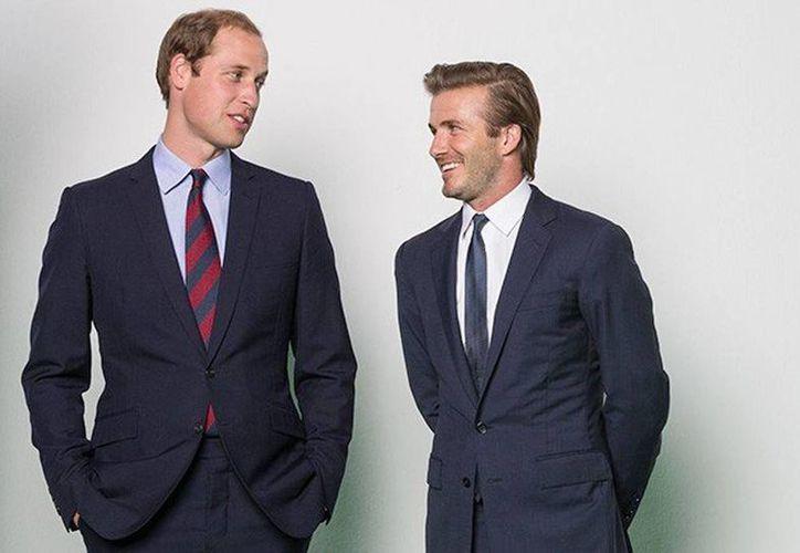 El príncipe Guillermo y el exfutbolista inglés David Beckham lanzan la nueva campaña #WhoseSideAreYouOn. (ANSA latina)