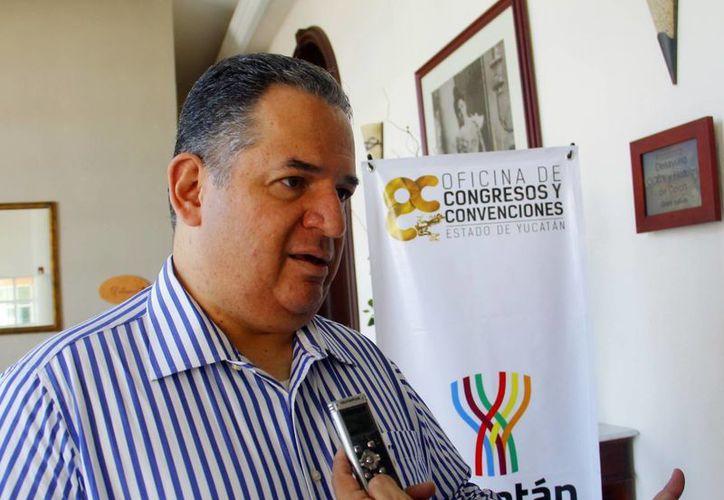 El hotelero Félix Ruano dijo que el sector se acerca a empresarios. (Milenio Novedades)