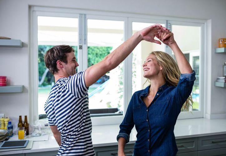 El baile ayuda a prevenir enfermedades, a tener una mejor condición, incluso a mejorar la autoestima. (Foto: Internet)