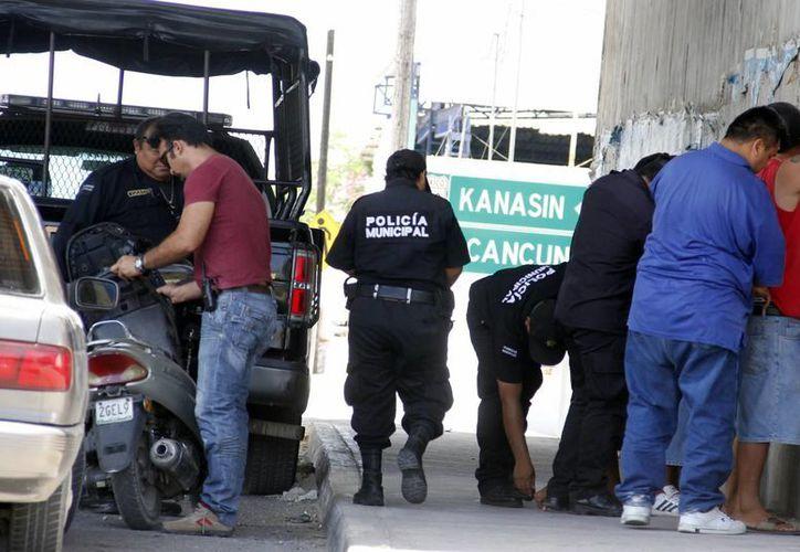 Con la evaluación buscan que la ciudadanía tenga más confianza en las autoridades policiacas. (José Acosta/SIPSE)