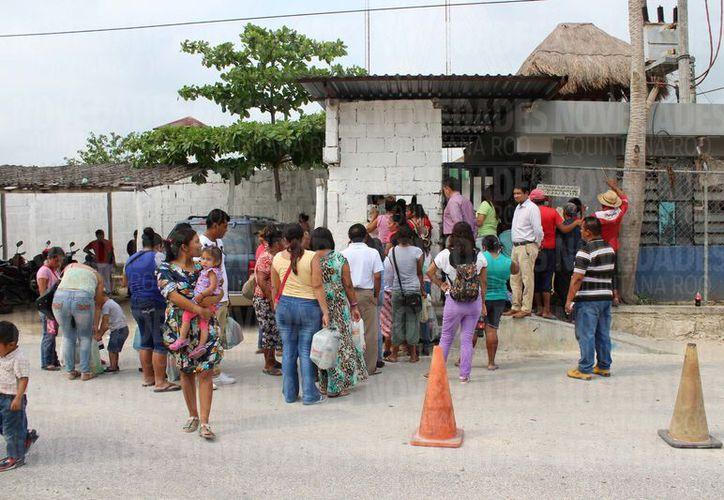 Los alimentos fueron recibidos y empaquetados con el nombre del recluso ya que suspendieron las visitas. (Adrían Barreto/SIPSE)