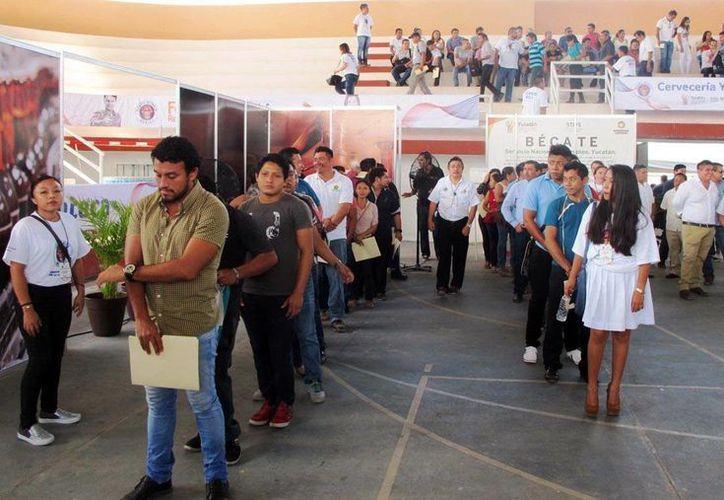 Gran interés genera la apertura de la planta de la Cervecería Yucatán entre los buscadores de empleo. (Milenio Novedades)