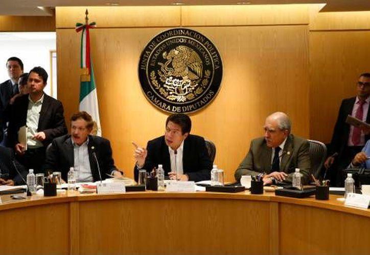 Mario Delgado aseguró que los integrantes de la 64 Legislatura deberán reducir sus viajes y viáticos al mínimo. (SDP Noticias)