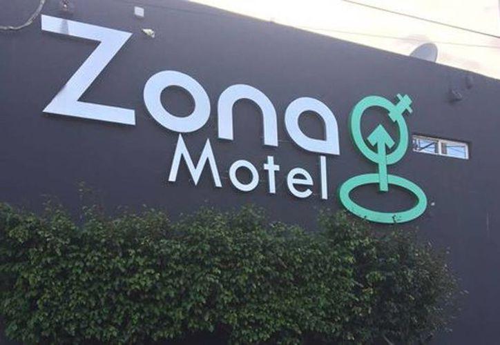 Los agentes localizaron que la víctima estaba cautiva en una habitación del 'Zona Motel', en Coatzacoalcos, en el lugar rescataron a la mujer y capturaron a los secuestradores. (Milenio)