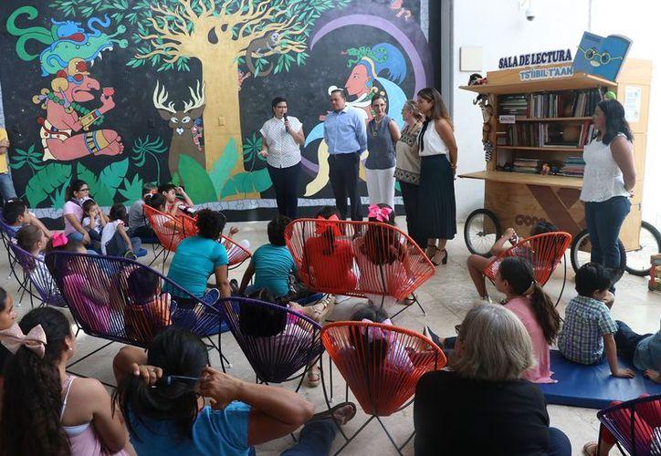 Autoridades presentaron la sala (Foto:Daniel Sandoval/Novedades Yucatán)