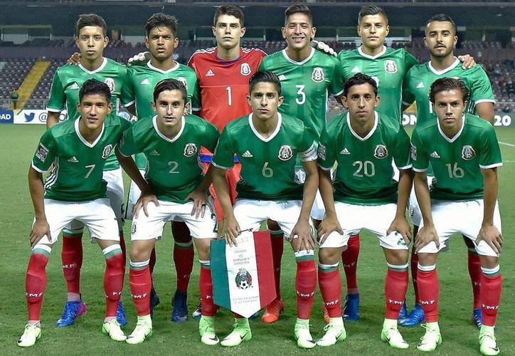 La Selección Mexicana de Futbol sub-20 inició con el pie derecho el premundial, en Costa Rica. Derrotó 3-0 a un débil Antigua y Barbuda. (Twitter: @miseleccionmx/Selección Mexicana)
