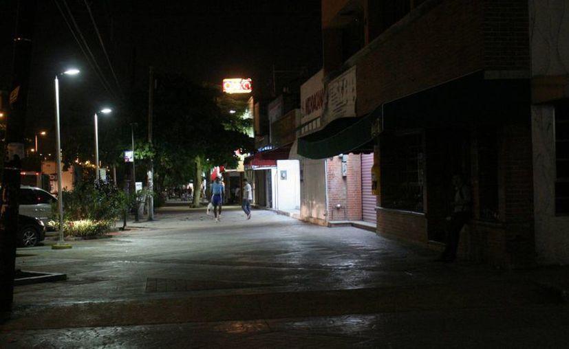 La inseguridad crece entre la población principalmente por las noches. (Israel Leal/SIPSE)