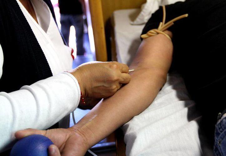 La secretaria de Salud, Mercedes Juan López, indicó que hace ya 28 años que en México no se comercializa sangre. (Archivo/Notimex)
