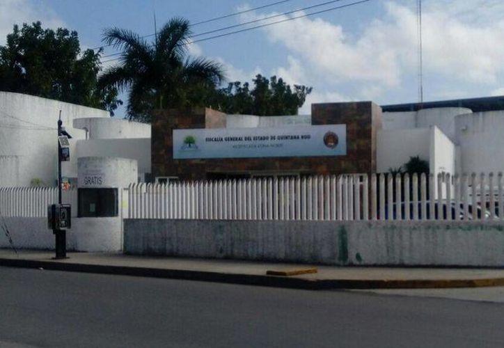 La Fiscalía General del Estado inicia las investigaciones sobre este asesinato. (Eric Galindo/SIPSE)